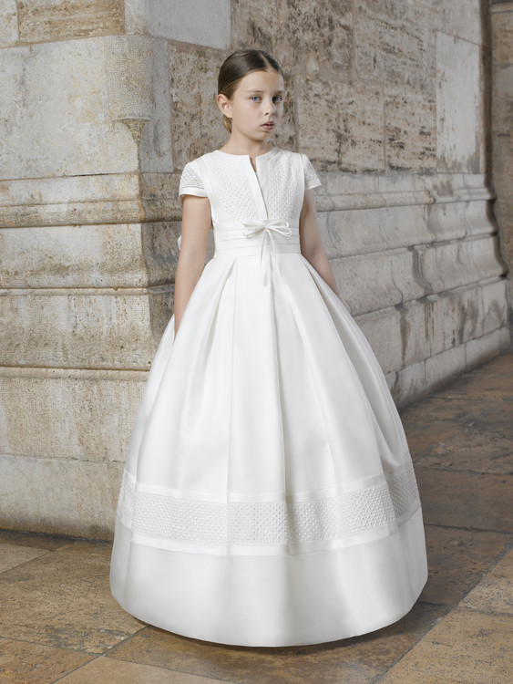 robe-premiere-communion-fille-soie-naturelle